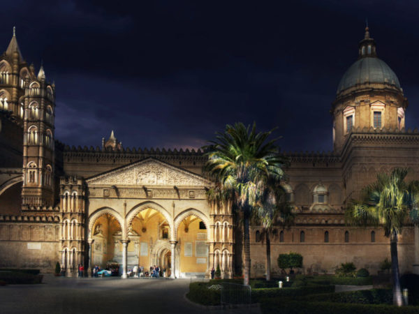 <span>Palermo di Luce Competition</span><i>→</i>